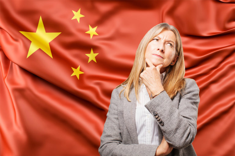 Qual o risco das empresas chinesas dominarem o mercado de papelaria nacional?