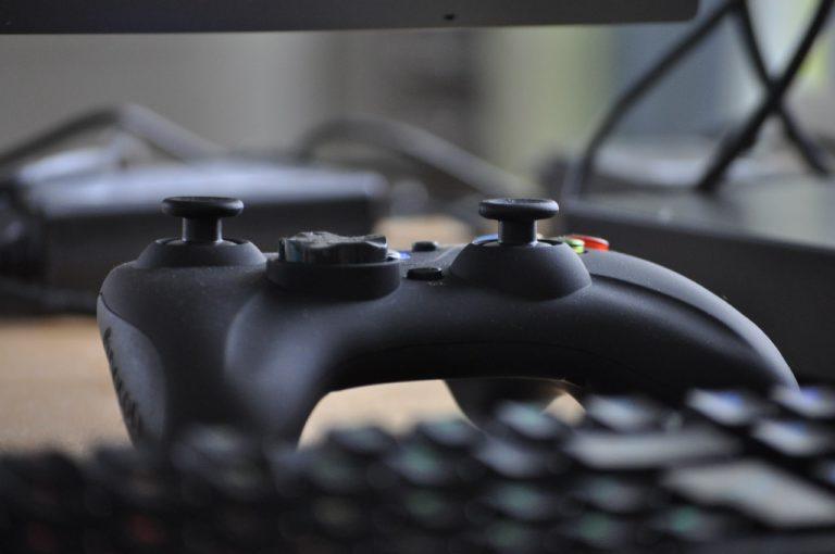 Jogos de tabuleiro Vs. Jogos Online. Em qual estratégia investir?
